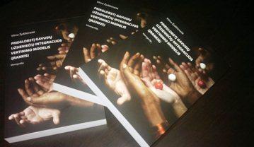 Tolerantiško jaunimo asociacijos išleista prof. V.Žydžiūnaitės parengta monografija.